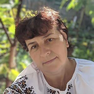 Галина Федорівна Гарбар - виноградар аматор, автор спільноти Виноградні Викрутаси та Прибамбаси